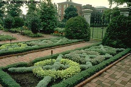 Herb garden for Knot garden designs herbs